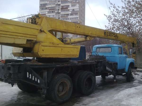 Кран КС 3575А на базе ЗИЛ 133